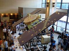 小惑星探査機「はやぶさ」の模型