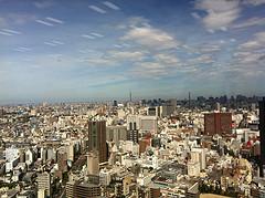 住友不動産新宿グランドタワー33階に移転した勤務先の自席からの眺め