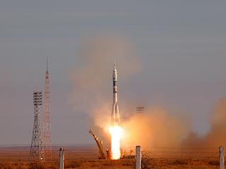 打上げ直後のソユーズロケット