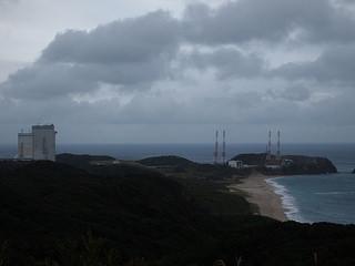種子島宇宙センターにて、ロケットの丘より眺める大型ロケット発射場