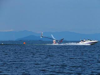 旋回するより前に着水してしまったWASAの機体